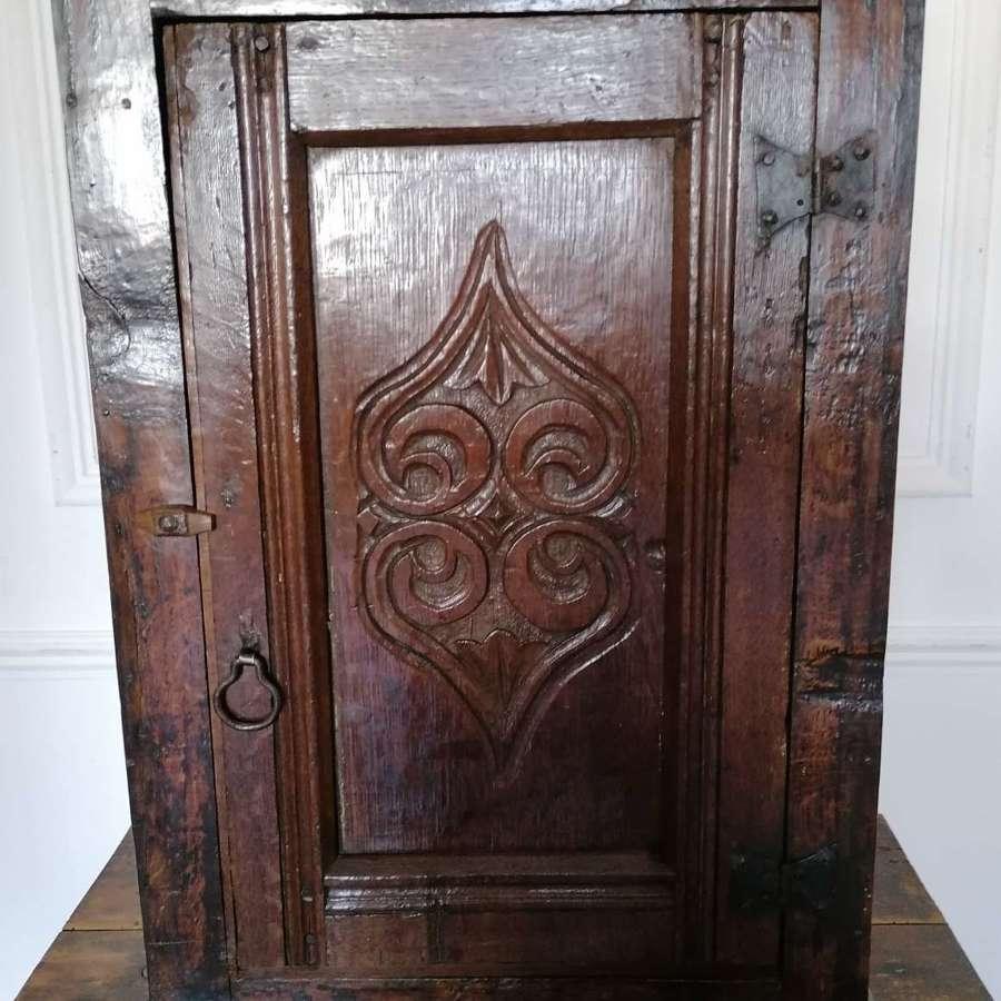 18th C English small Oak Cupboard